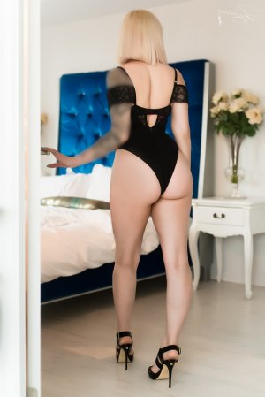 Aliette erotic massage in Crofton, MD