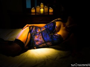 Allycia independant erotic massage Adwick-le-Street