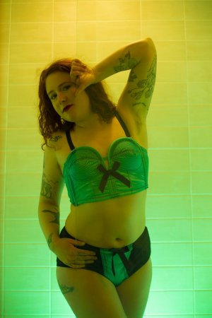 Selvinaz redhead escorts in New Ulm, MN