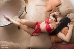 Khelia redhead escorts in New Ulm, MN