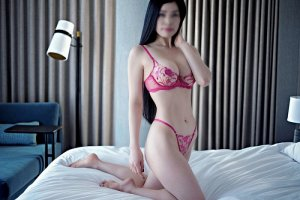 Shekinah cougar escorts Astoria